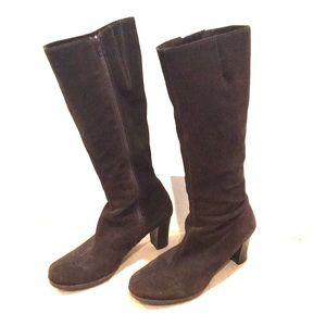 La Canadienne Kara brown suede heeled boots